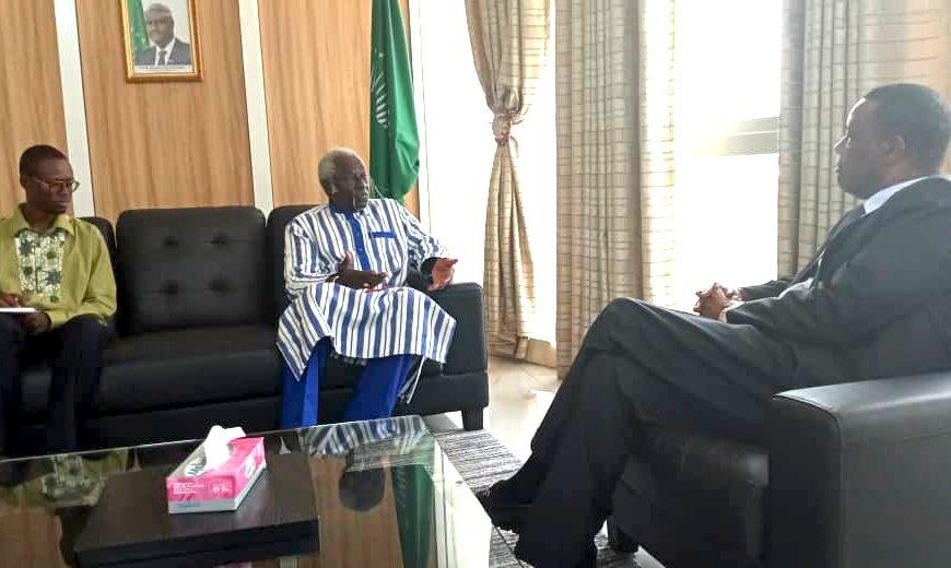 SEM Pierre Buyoya reçoit en audience le lundi 13 mai 2019, le Ministre Adama Samassekou , en charge de la Commission des relations extérieures du Mouvement fédéraliste panafricain .