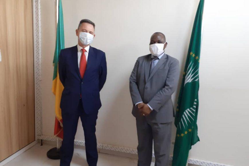 SEM. Fulgence Zeneth, Chef de la MISAHEL par intérim a reçu en audience SEM Barry Lowen, Ambassadeur du Royaume Uni, de Grande Bretagne et d'Irlande du nord au Mali