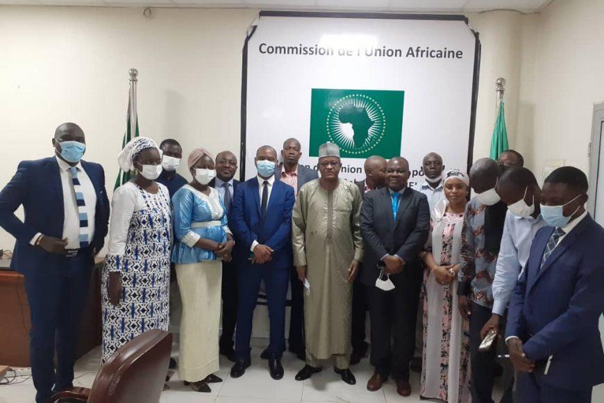 Son Excellence Monsieur Maman Sambo Sidikou, Haut Représentant de l'Union africaine au Mali et au Sahel , Chef de la MISAHEL, a rencontré le personnel de l'institution. (Lundi 31Mai 2021)