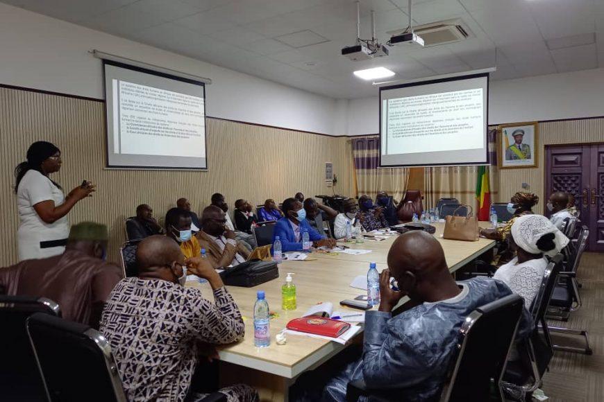 Atelier de renforcement des capacités des magistrats du Mali, sur les principes des droits humains et la lutte contre l'impunité animé Mme Traore Nathalie, ce 27 Juillet 2021