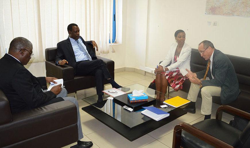 Audience accordée par SEM le Haut Représentant de l'Union Africaine pour le Mali et le SAHEL (MISAHEL) à une équipe de DCAF (Geneva Centre for the Democratic Control of Armed Forces)