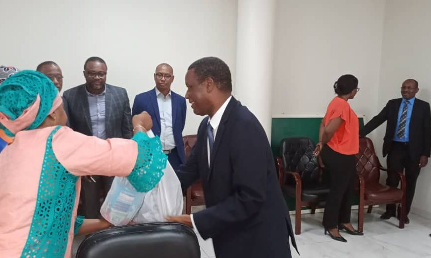 Remise de don dans le cadre du mois de carême par  SEM Pierre Buyoya Haut Représentant de l'Union Africaine, Chef de la MISAHEL