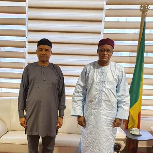 SEM le Haut Représentant de l'Union Africaine pour le Mali et le Sahel à l'ambassade du Nigeria à Bamako.