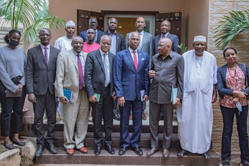 Le Comité  Local de Suivi de la Transition rencontre les partis et groupements politiques