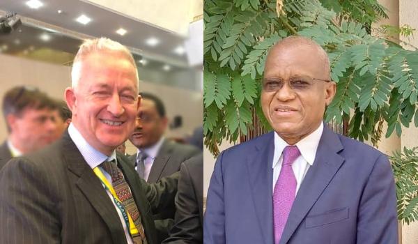 SEM Maman Sambo Sidikou, Haut Représentant du Président de la Commission de l'Union africaine pour le Mali et le Sahel s'entretient avec SEM Kenneth Thompson, Envoyé spécial de l'Irlande pour le Sahel le 15 octobre 2021